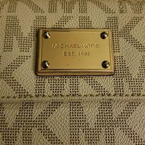 Michael Kors Bags - *SOLD S* AUTHENTIC MICHAEL KORS SIGNATURE WALLET